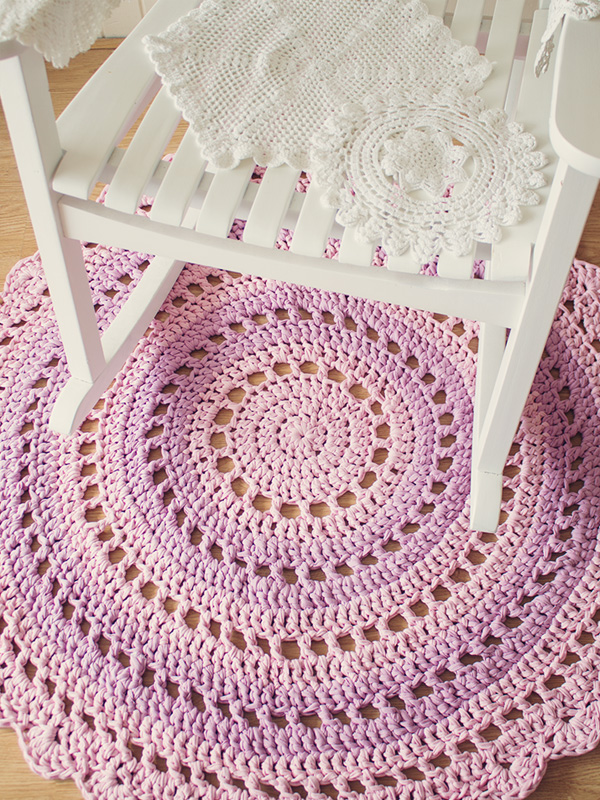 Crochet Patterns Free Rugs : Crochet Doily Rug Maker Crate