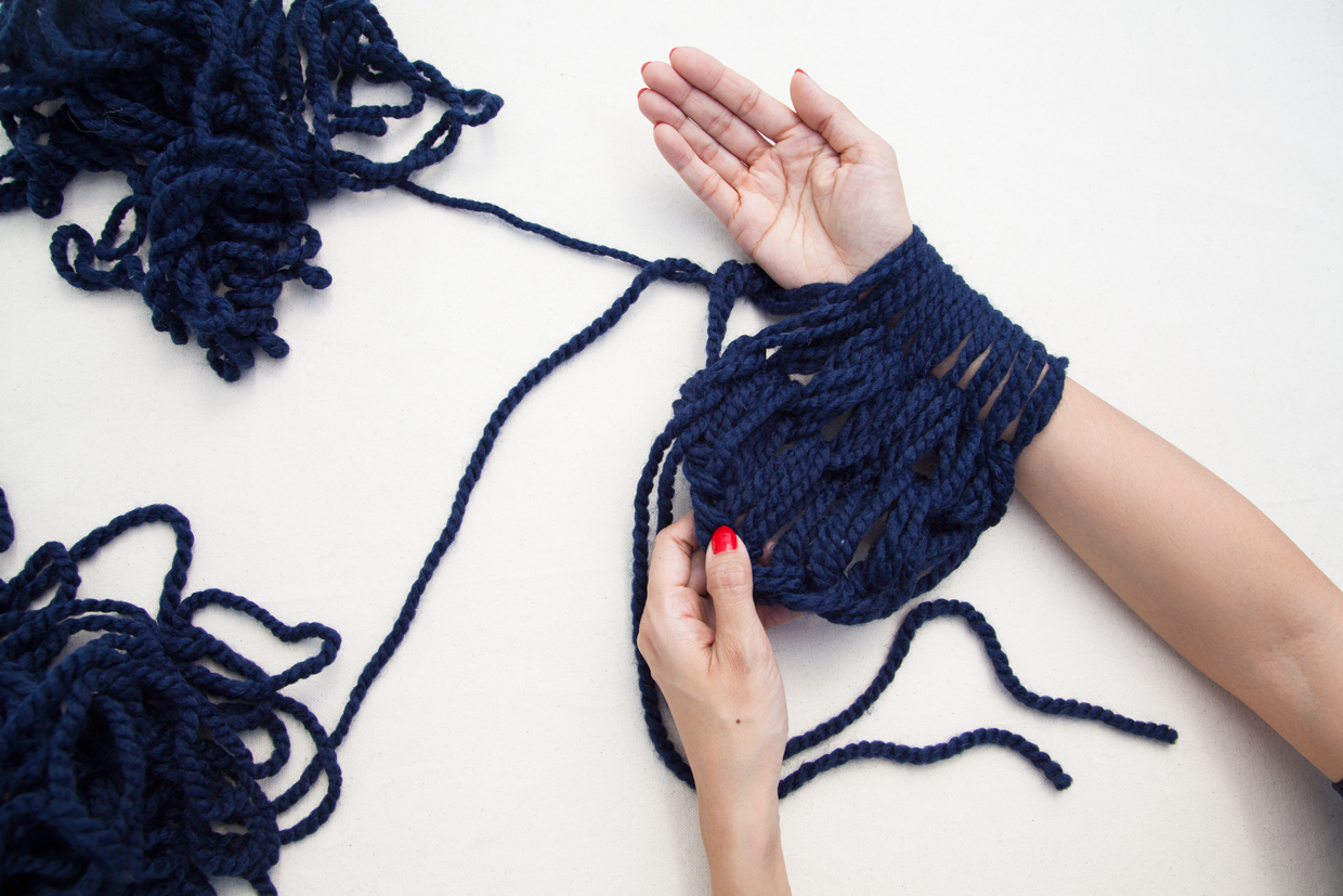 Arm Knitting Step By Step : Arm knitted infinity scarf maker crate