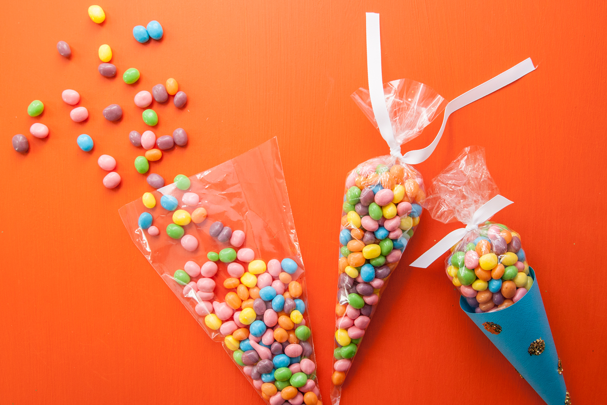 how to make cone shaped treat bags